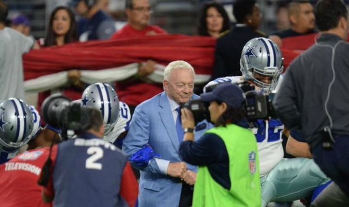 Jerry Jones, Dallas Cowboys kneel in protest during national anthem